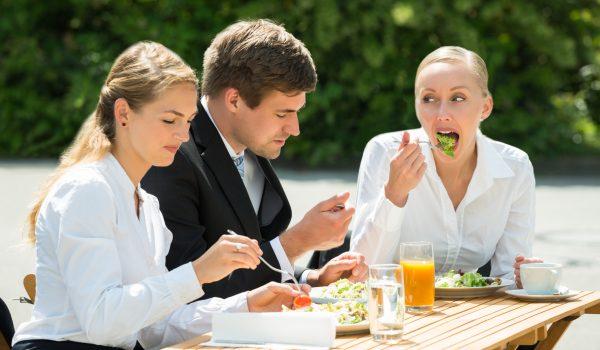 Comment ne pas prendre de poids en allant au restaurant le midi?